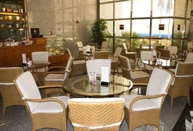 Avari Dubai Hotel Interior9