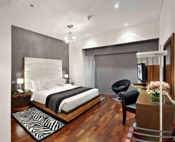 City Premiere Hotel Interior1