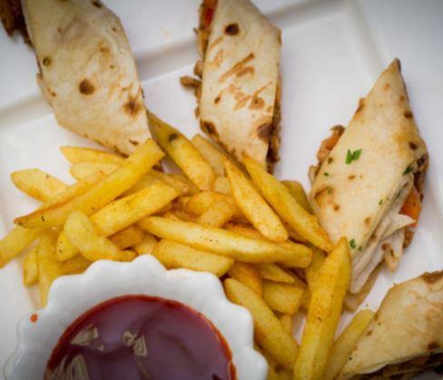 Pegasus Lounge Club Bar Food Drink4