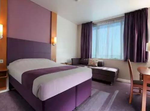 Premier Inn Dubai Silicon Oasis Interior1